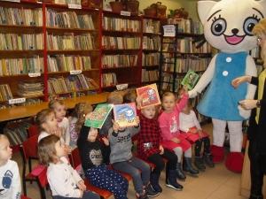 Kicia Kocia w Bibliotece_1